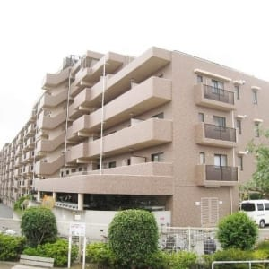 総戸数127戸のビッグコミュニティ 安心のアフターサービス保証付き フラット35s適合 家具 エアコン付 16畳の広々リビングルーム ウォークインクローゼット2箇所付き ペット飼育可能物件です (外観)