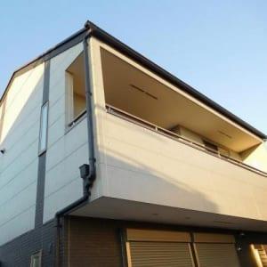 新規内装リフォーム カースペース2台分あり 平成23年築(外観)