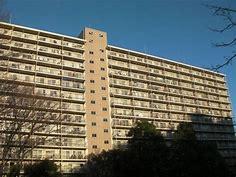 総戸数210戸のビックコミュニティ 内装リフォーム 10階部分角部屋につき陽当り眺望良好 3路線2駅利用可能 最寄り駅徒歩7分以内の好立地 ペット飼育可能物件です (外観)