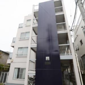 新規内装リフォーム 4階部分南向きにつき陽当たり・通風・眺望良好 2駅3路線利用可能な好立地 東中野駅より徒歩3分(外観)