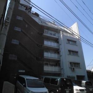 新規内装リノベーション アフターサービス保証付 4階部分3方角部屋 ペットと一緒に暮らせます 全室フローリング 中野富士見町駅より徒歩4分の好立地(外観)