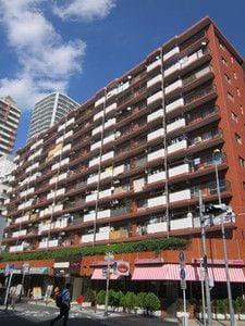 新規内装リノベーション 10階部分 日当たり・眺望良好 総戸数97戸の大規模マンション(外観)