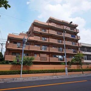 近隣には戸田公園や小中学校があり子育てに優しい環境!駅まではフラットな道のり!全居室に収納有り!住宅ローン減税適合物件!(外観)