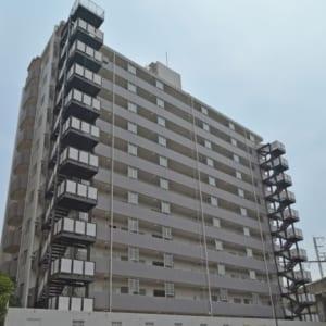 13階建ての2階部分 東向き 新規内装リフォーム済み物件(外観)
