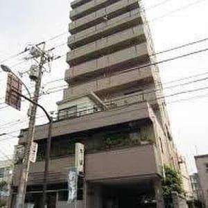 10階建て4階部分の西向き オートロック・エレベーター有り 建物1階部分にコインランドリー有り(外観)