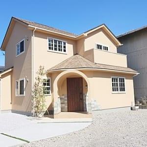 新規内装リフォーム 角地につき陽当たり良好 2世帯・賃貸併用住宅にも(外観)